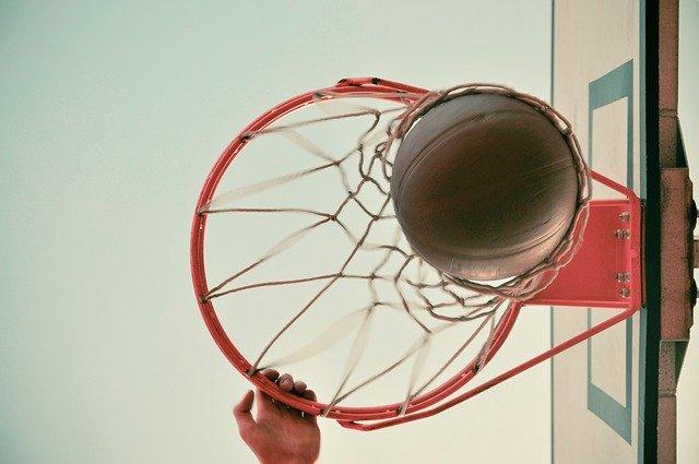 Michael Jordan's Chinese slam-dunk